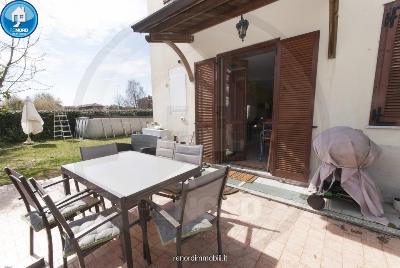 Villetta a schiera in buone condizioni in vendita Rif. 9852435