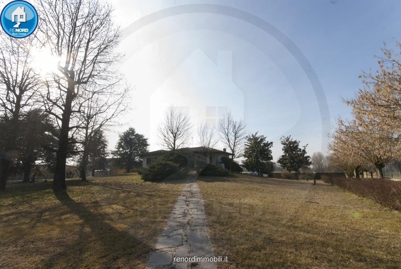 Villa in buone condizioni in vendita Rif. 9846245