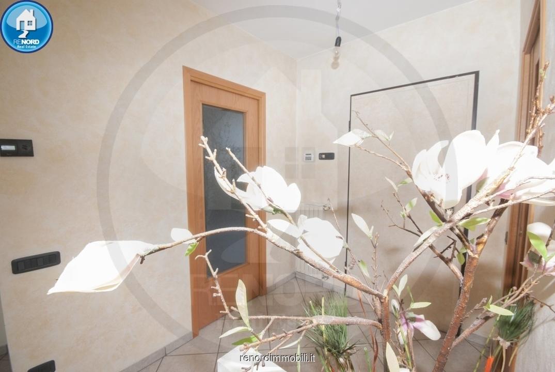 Appartamento in ottime condizioni in vendita Rif. 9916504