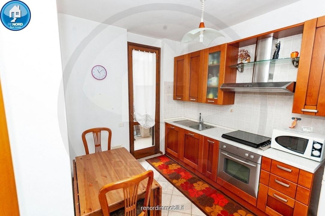 Appartamento da ristrutturare in vendita Rif. 9997353