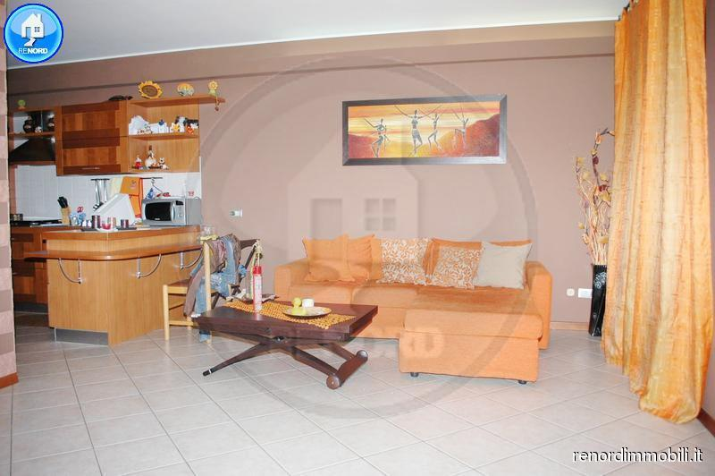 Villa a Schiera in affitto a Torre d'Arese, 5 locali, prezzo € 600 | CambioCasa.it