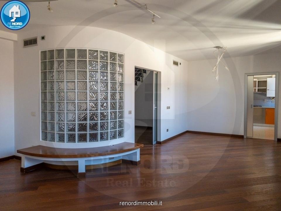Appartamento ristrutturato in vendita Rif. 10444362