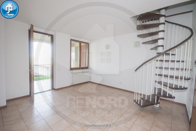 Appartamento da ristrutturare in vendita Rif. 10476022