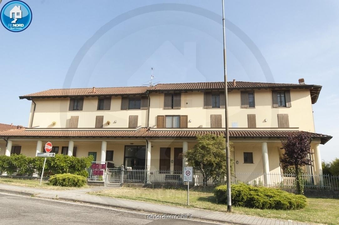 Appartamento in buone condizioni in vendita Rif. 10529889