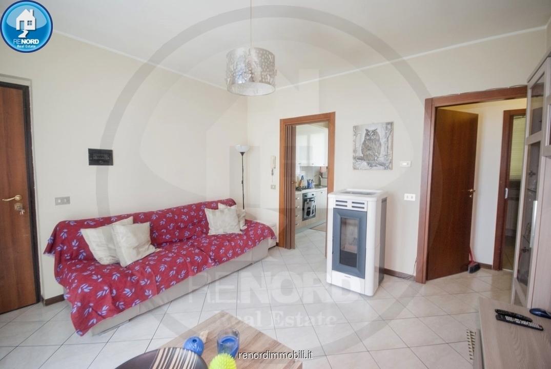 Appartamento in buone condizioni in vendita Rif. 10569453