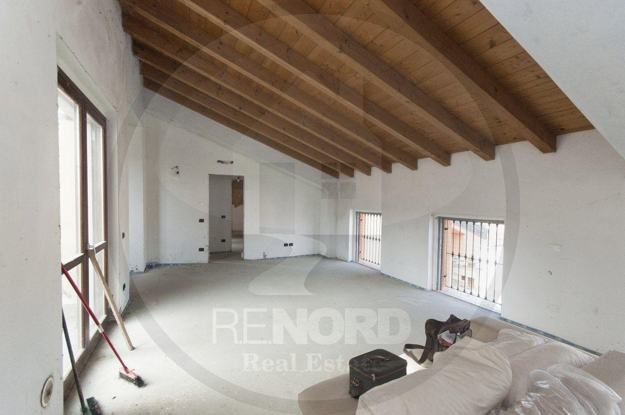 Appartamento in vendita a Albuzzano, 4 locali, prezzo € 90.000 | PortaleAgenzieImmobiliari.it