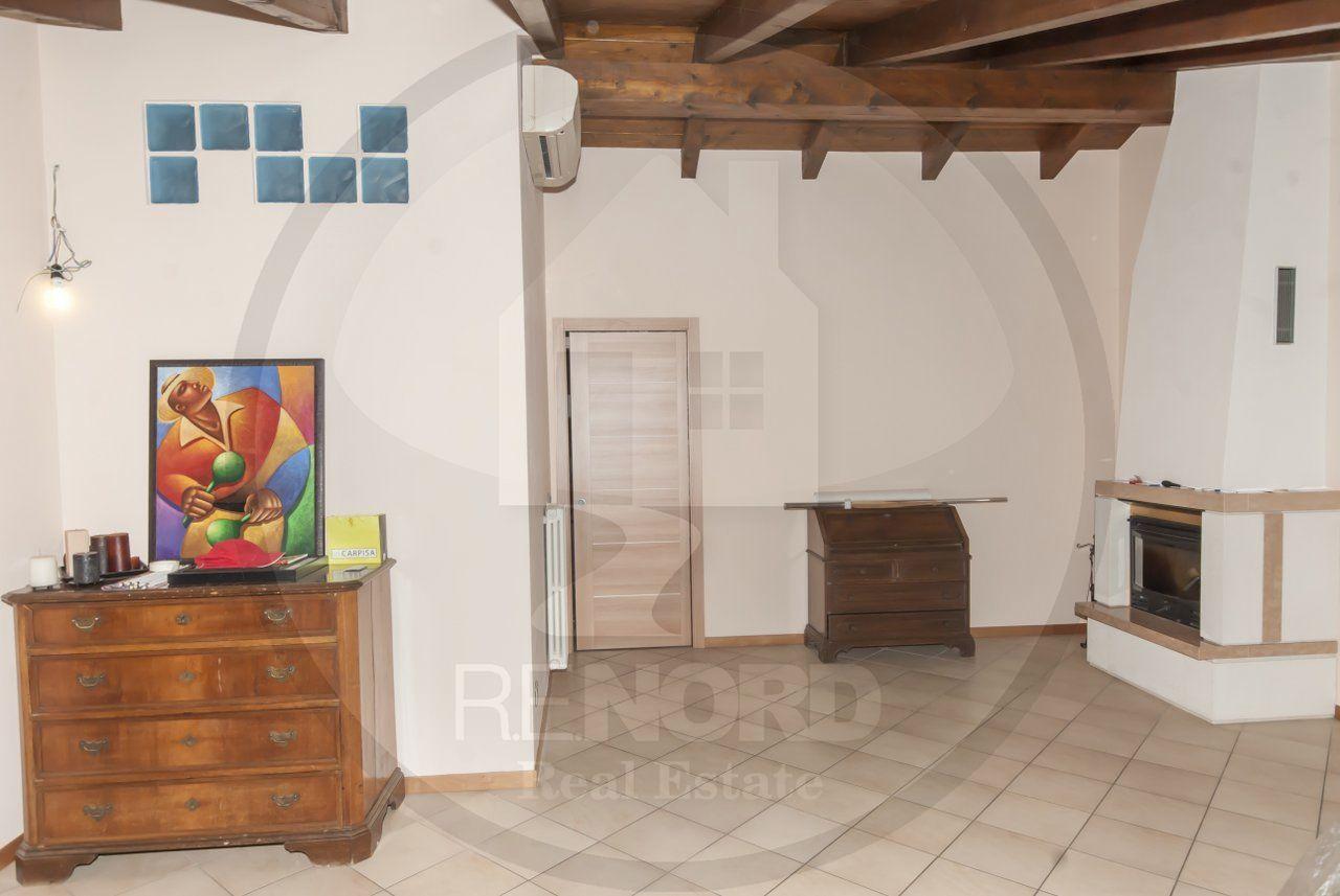 Appartamento in vendita a Torre d'Isola, 3 locali, prezzo € 208.000 | CambioCasa.it
