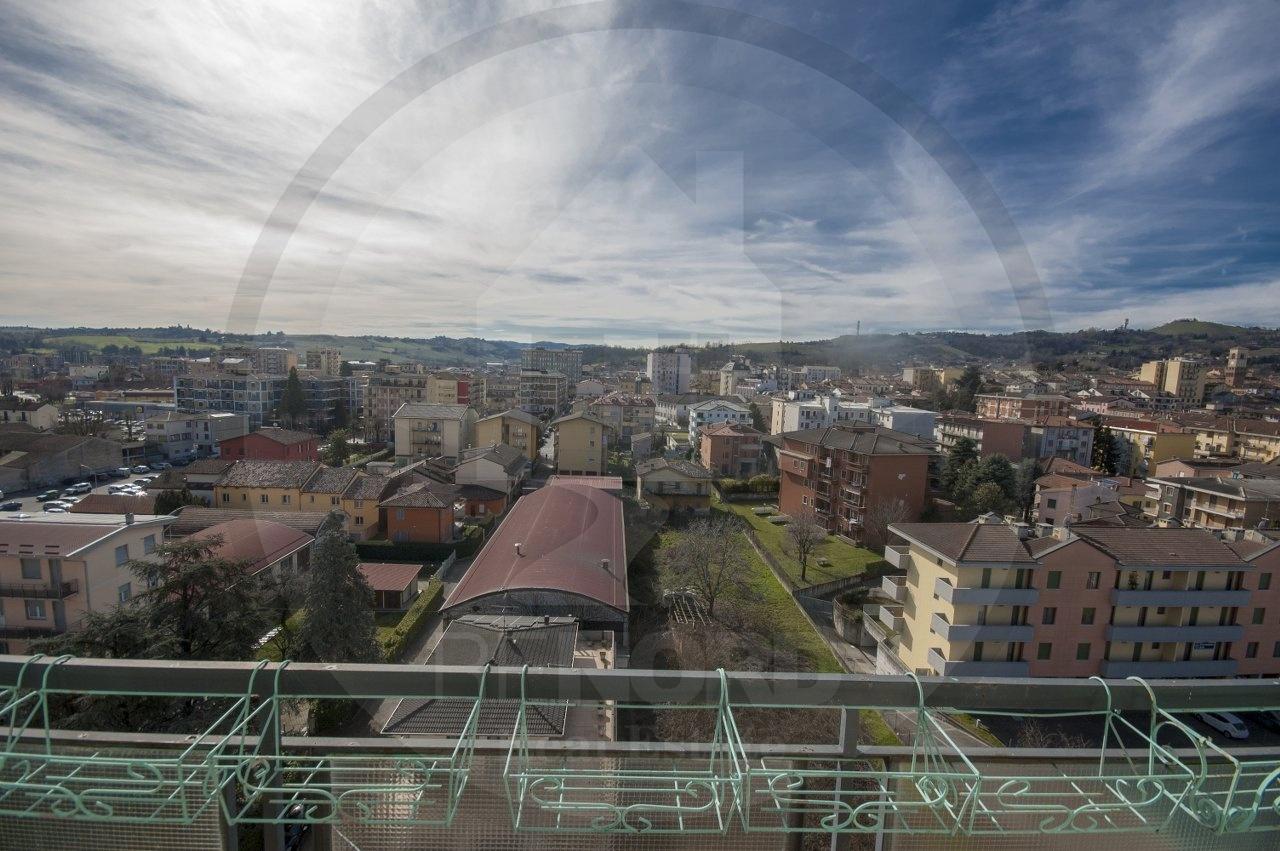 Appartamento in vendita a Stradella, 3 locali, prezzo € 68.000 | CambioCasa.it