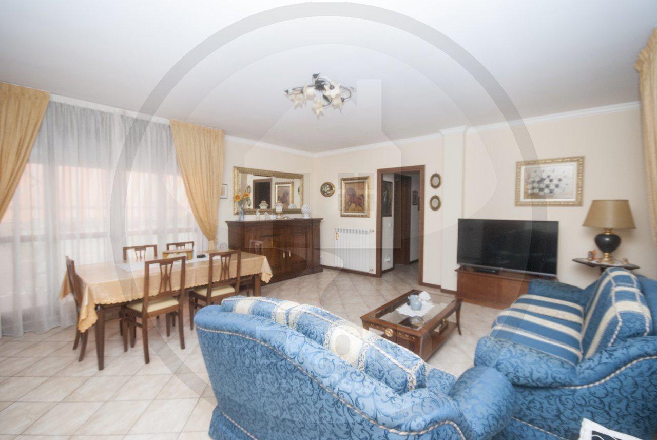 Appartamento in vendita a Cura Carpignano, 4 locali, prezzo € 139.000 | CambioCasa.it