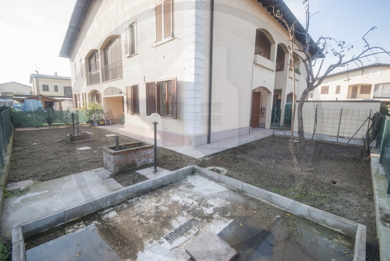 Appartamento in vendita a Roncaro, 3 locali, prezzo € 93.000 | CambioCasa.it