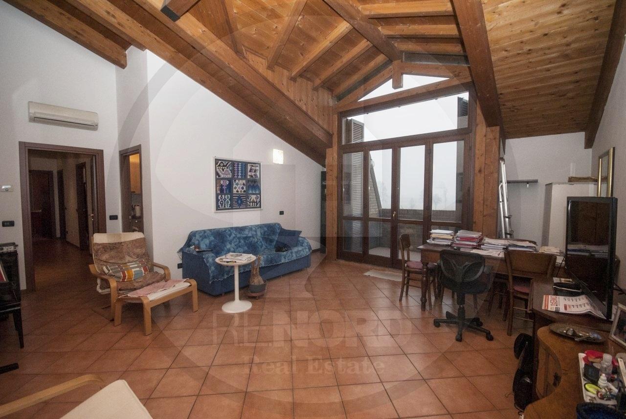 Appartamento in vendita a Cura Carpignano, 3 locali, prezzo € 135.000 | CambioCasa.it