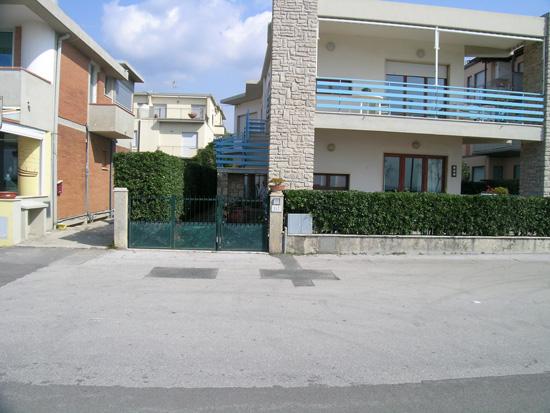 Bilocale Follonica Viale Italia 1