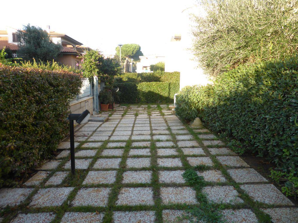 Bilocale Follonica Via Litoranea 4