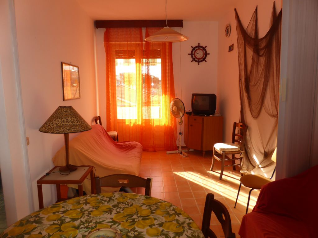 Bilocale Follonica Via Pantelleria 1
