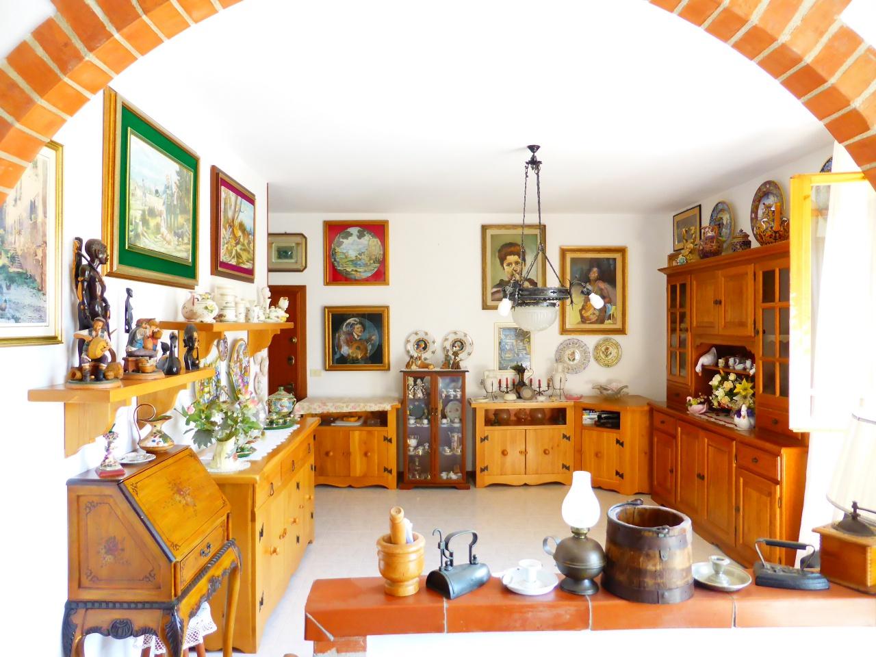vendita appartamento gavorrano bagno di gavorrano Via Magellano 175000 euro  5 locali  100 mq