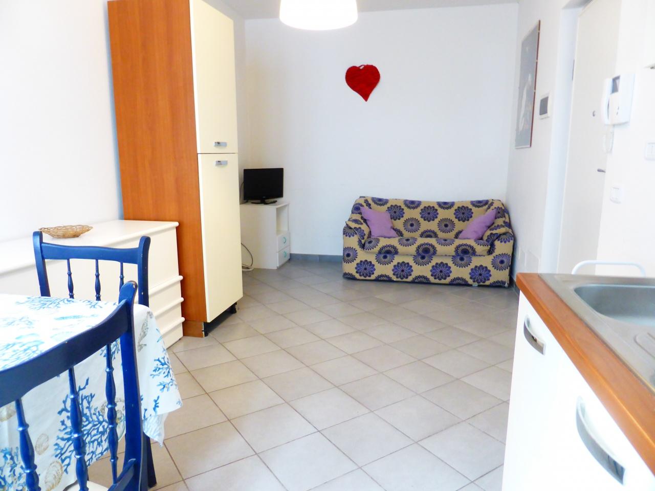 vendita appartamento follonica centro Via Norma Pratelli 180000 euro  3 locali  60 mq
