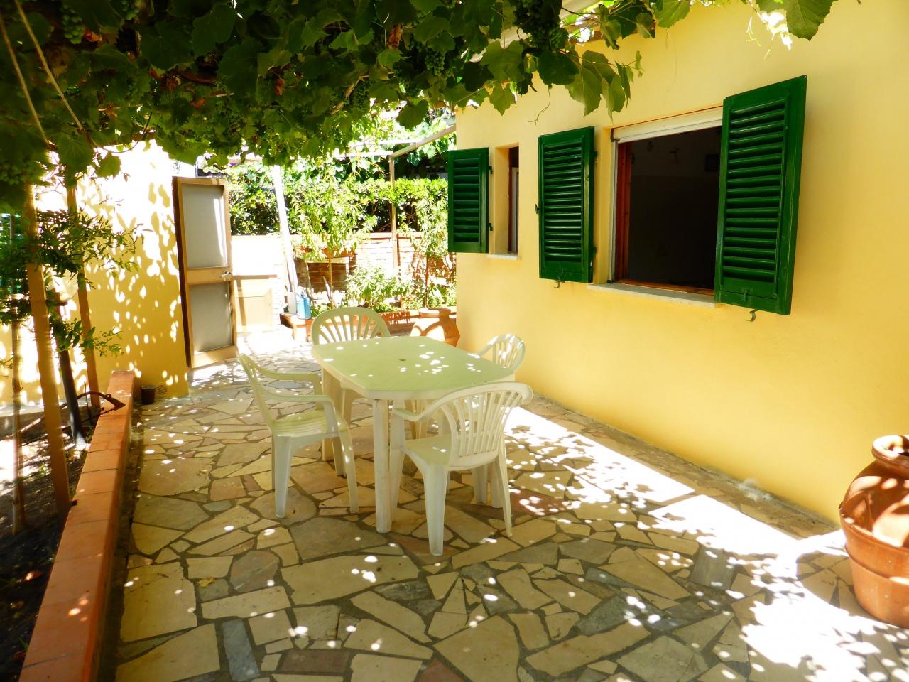 affitto appartamento follonica senzuno Via Montanara  5 locali  90 mq