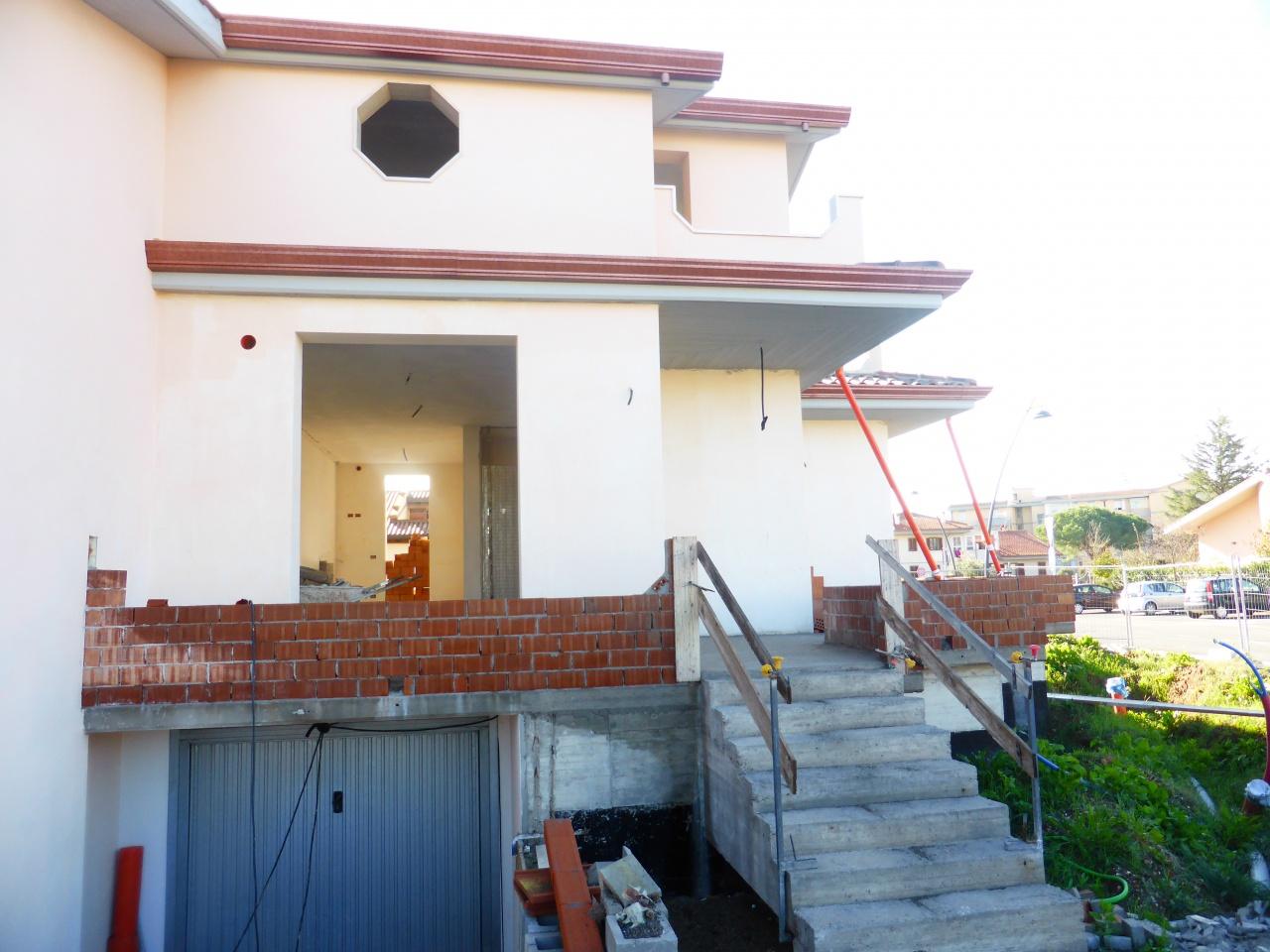 Villetta a schiera arredato in vendita Rif. 8515979