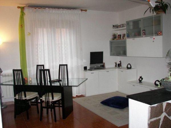 Appartamento in buone condizioni in vendita Rif. 10229433
