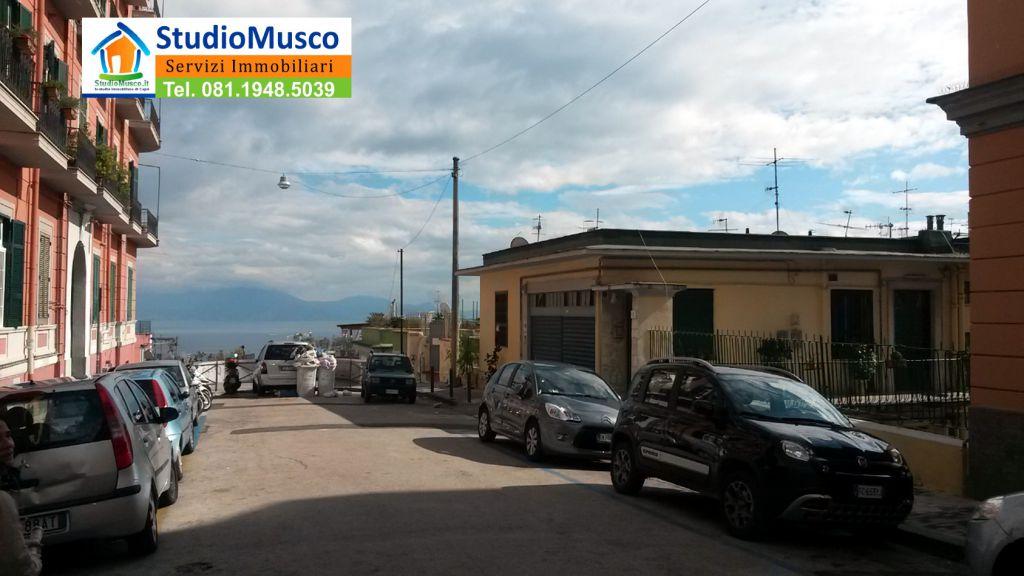 Bilocale Napoli Via Michetti 11