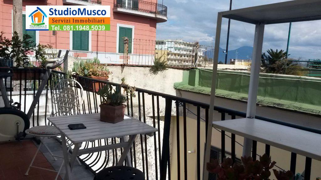 Bilocale Napoli Via Michetti 6