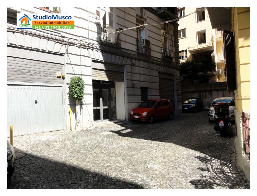 Bilocale Napoli Via Del Parco Margherita 12