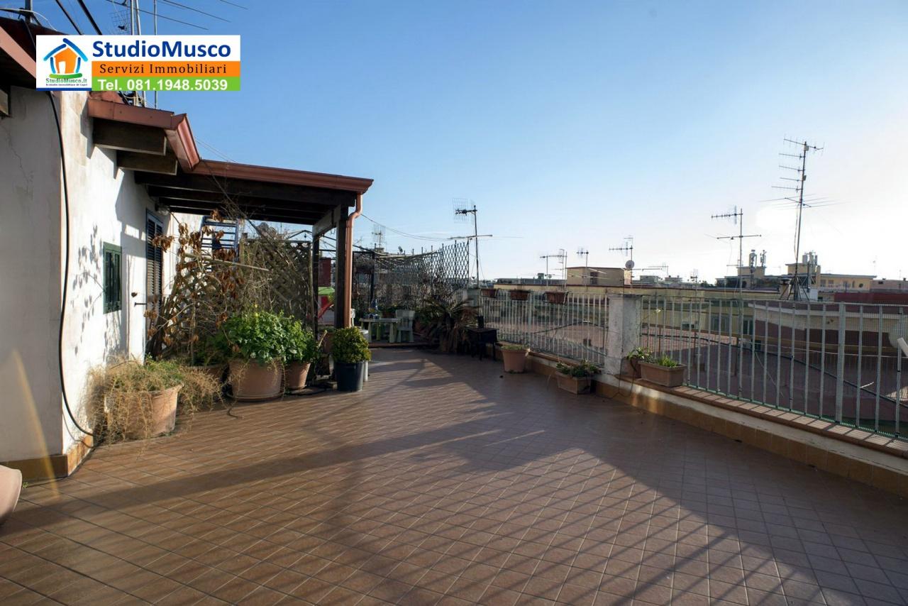 Bilocale Napoli Via Massari 8