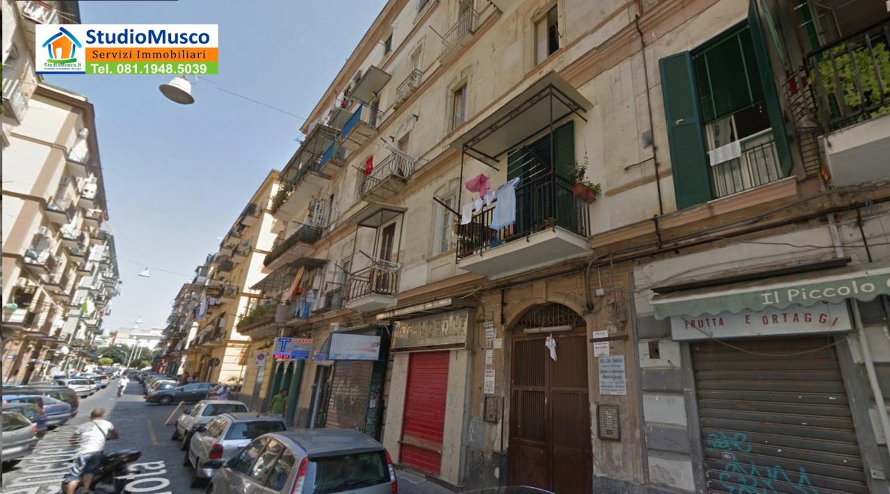 vendita appartamento napoli vicaria / foria TRAVERSA BENEDETTO CAIROLI 95000 euro  1 locali  65 mq