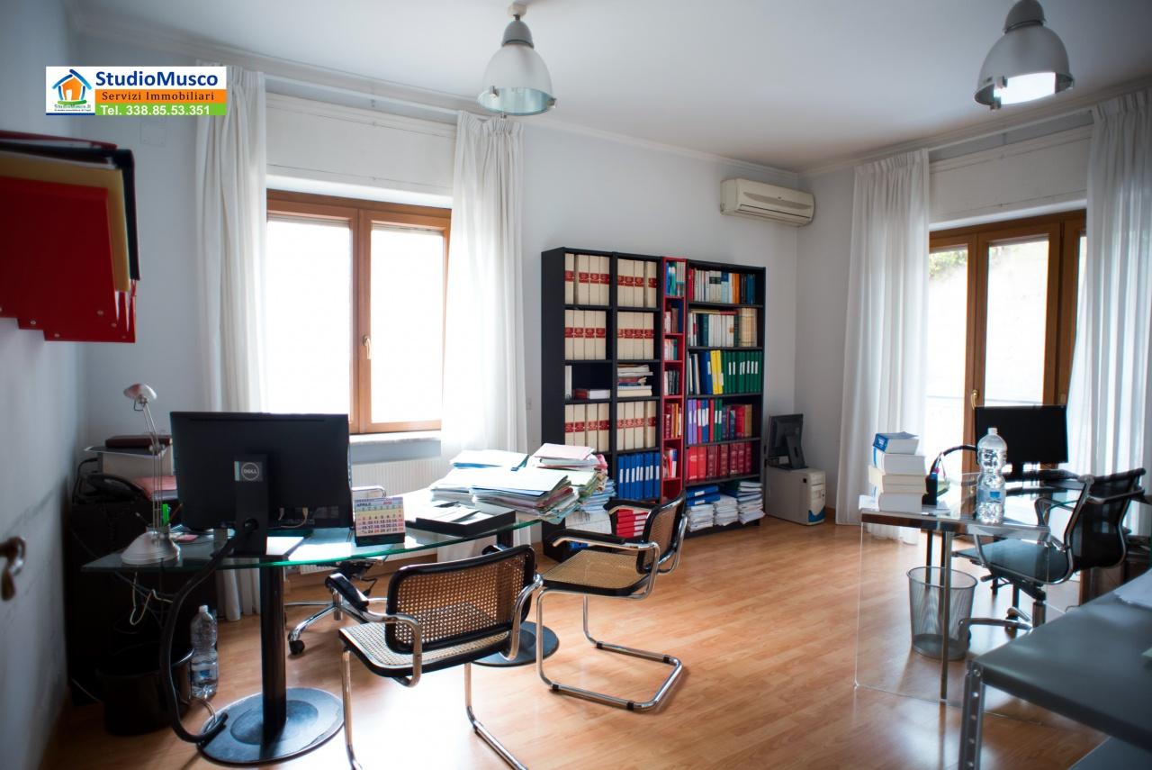 vendita appartamento napoli posillipo via Giovanni Pascoli 650000 euro  5 locali  160 mq