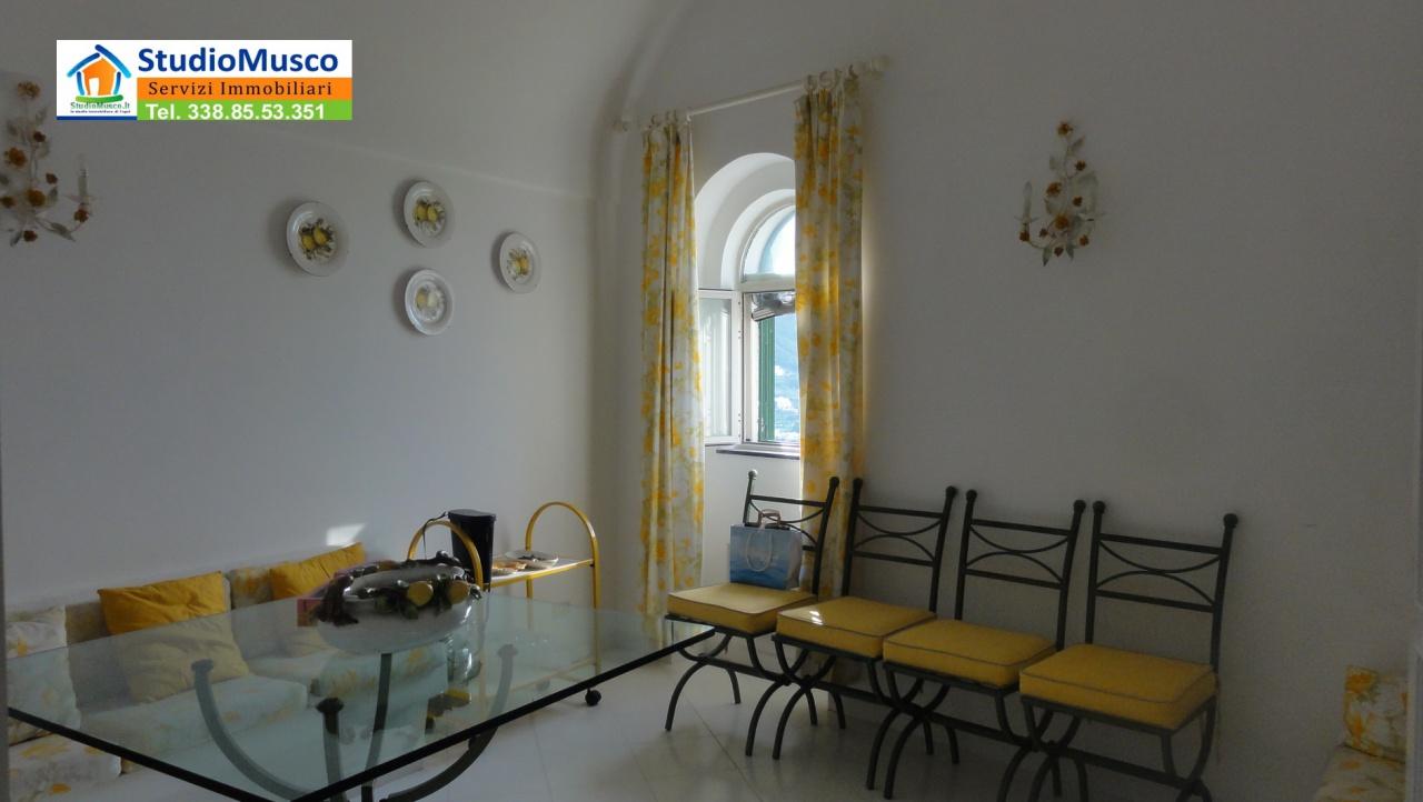 Appartamento in buone condizioni arredato in affitto Rif. 10513950