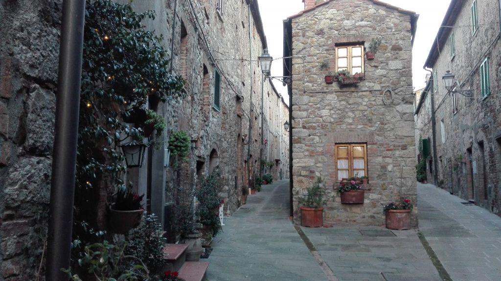 Appartamento in Vendita a Monteverdi Marittimo
