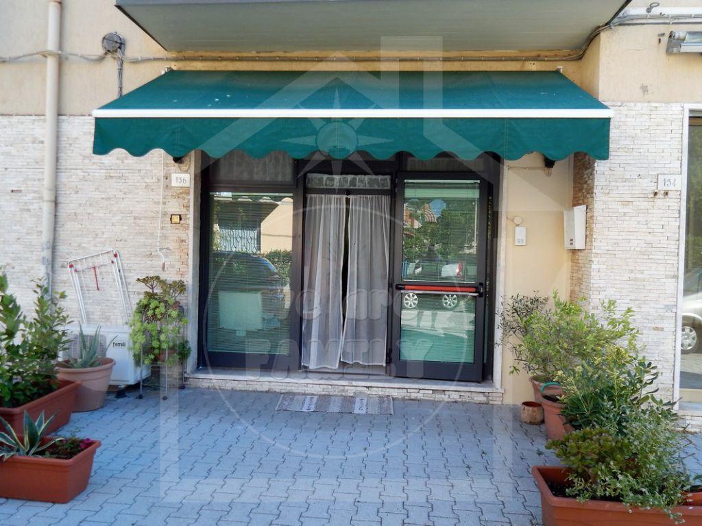 Negozio / Locale in vendita a Viareggio, 1 locali, prezzo € 70.000 | CambioCasa.it