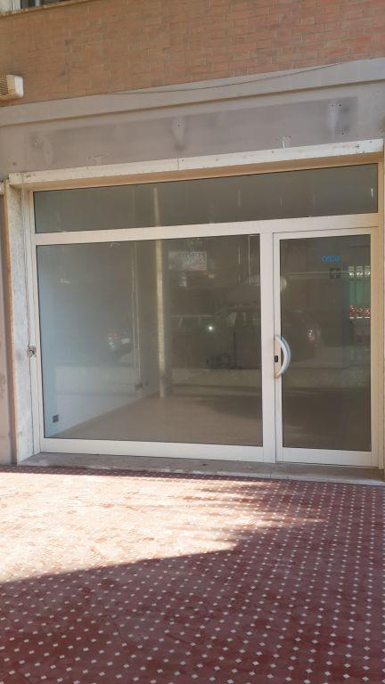 Negozio / Locale in affitto a Camaiore, 1 locali, prezzo € 800 | CambioCasa.it