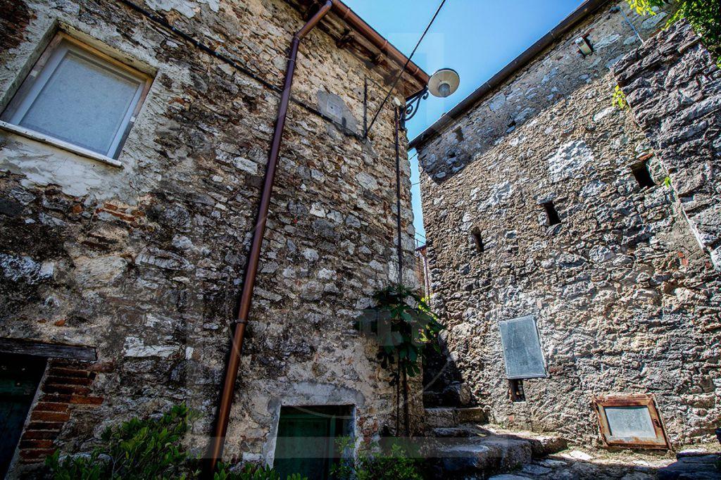 Rustico / Casale in vendita a Camaiore, 4 locali, Trattative riservate | CambioCasa.it
