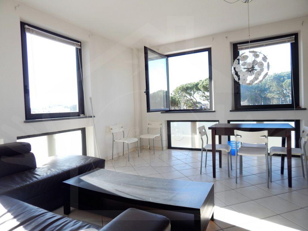 Appartamento in affitto a Camaiore, 5 locali, prezzo € 850 | Cambio Casa.it