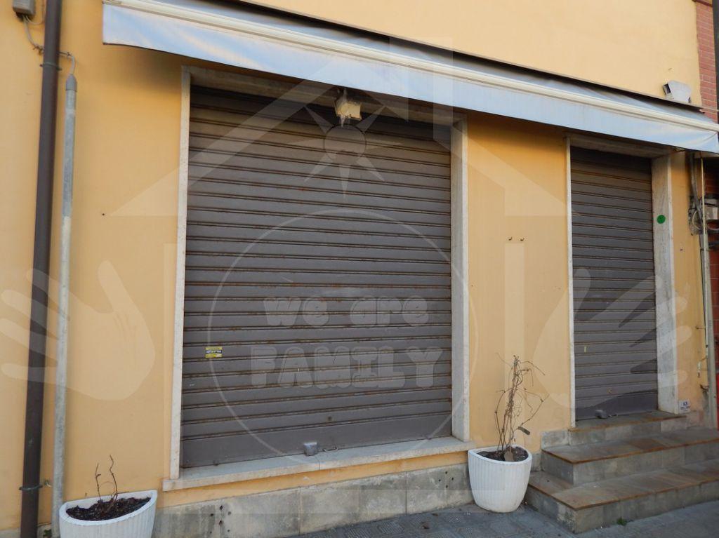 Negozio / Locale in Vendita a Camaiore