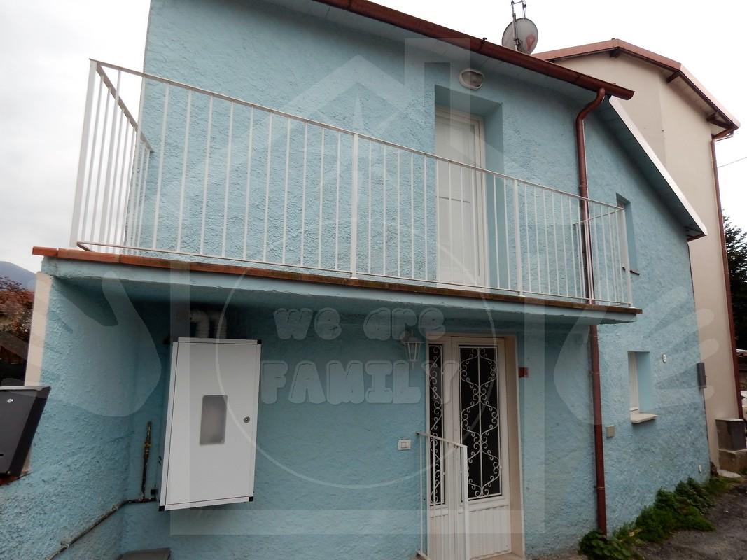 Appartamento in affitto a Camaiore, 3 locali, prezzo € 600 | Cambio Casa.it