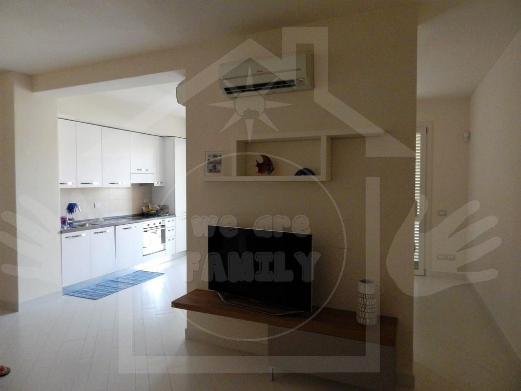 Appartamento in affitto a Camaiore, 5 locali, Trattative riservate | CambioCasa.it