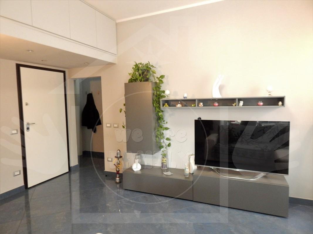 Appartamento in affitto a Viareggio, 6 locali, prezzo € 1.100 | CambioCasa.it