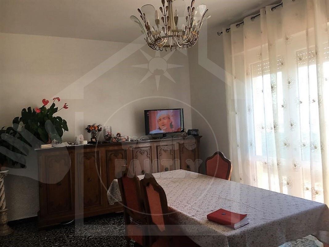 Attico / Mansarda in affitto a Viareggio, 4 locali, prezzo € 700 | CambioCasa.it