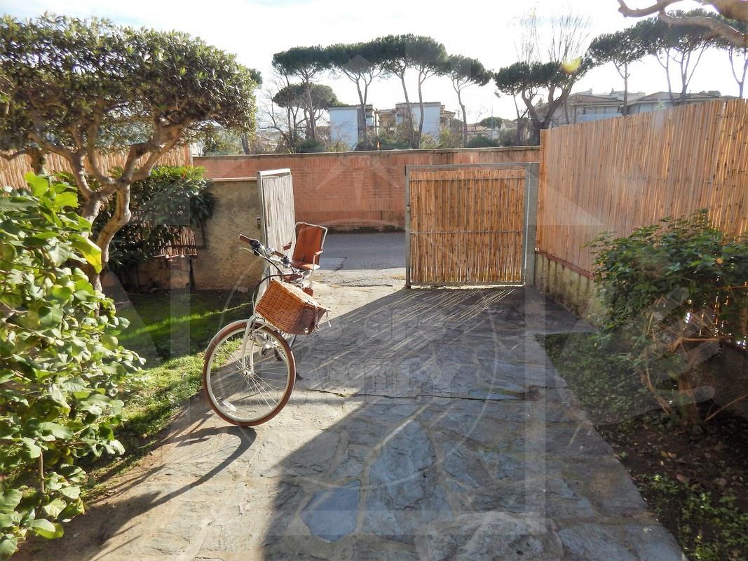 Villetta a schiera in buone condizioni arredato in vendita Rif. 8945222