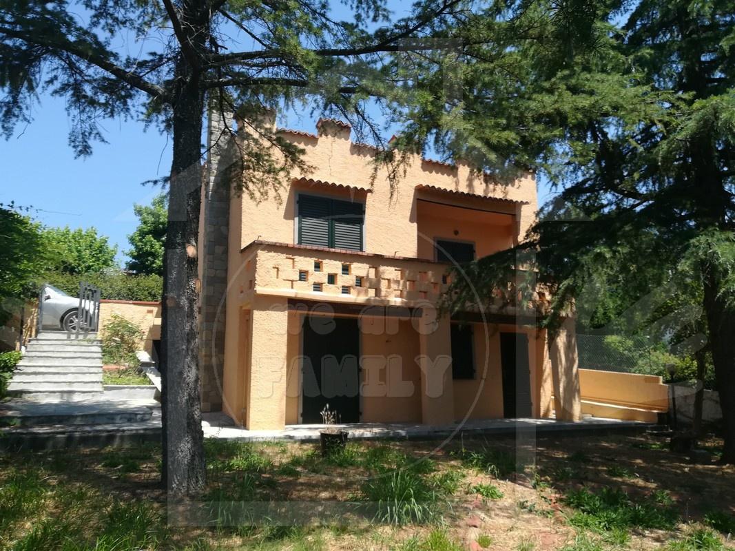 Villa in ottime condizioni in vendita Rif. 11130668