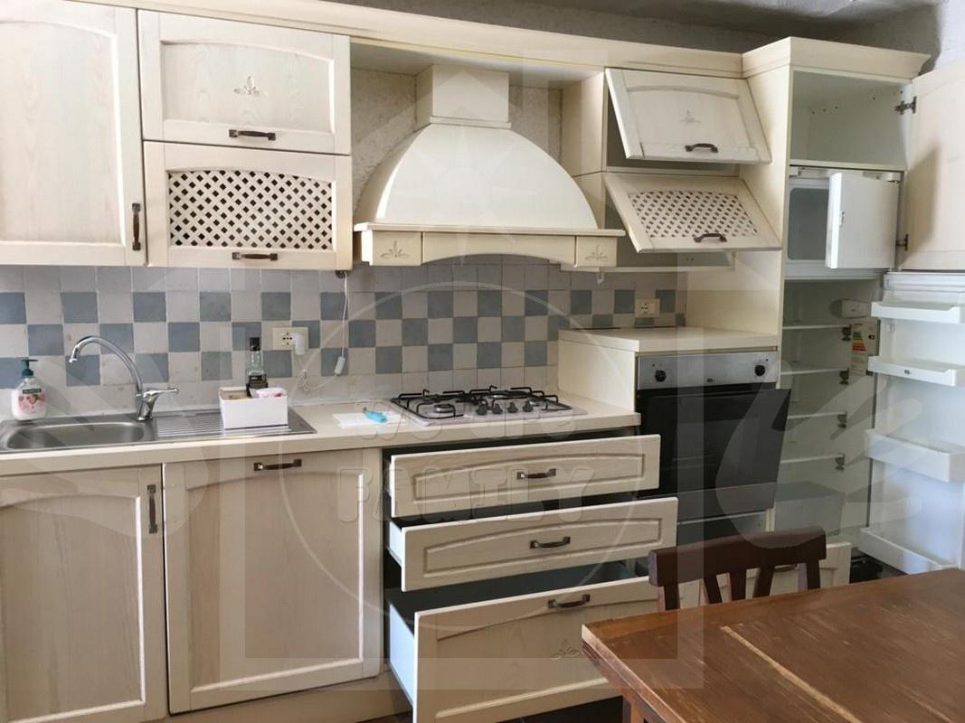 Appartamento in ottime condizioni arredato in affitto Rif. 11350834