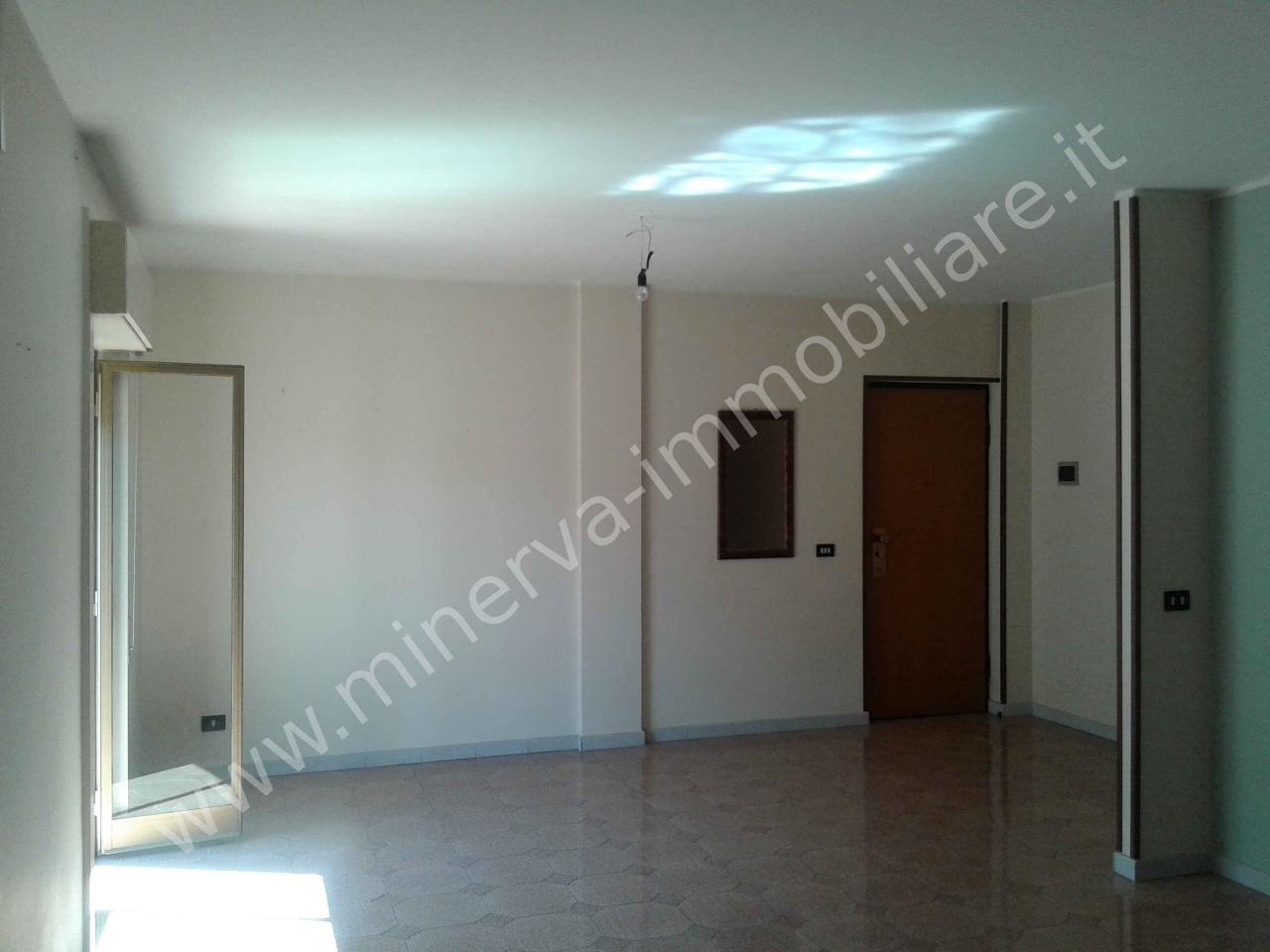 Appartamento in affitto a Carlentini, 4 locali, Trattative riservate | Cambio Casa.it