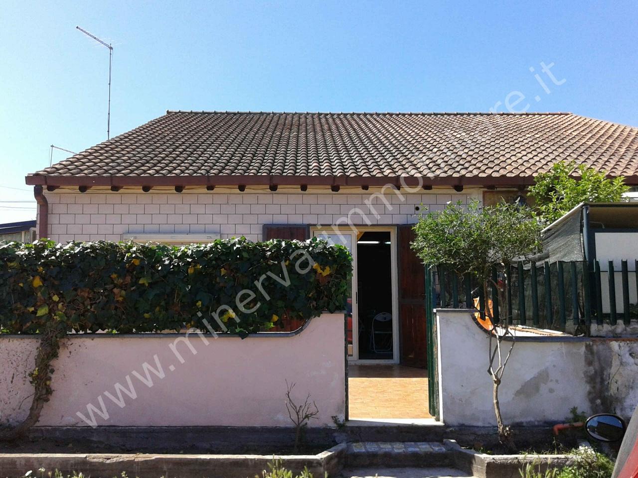 Soluzione Indipendente in vendita a Carlentini, 2 locali, prezzo € 50.000 | CambioCasa.it