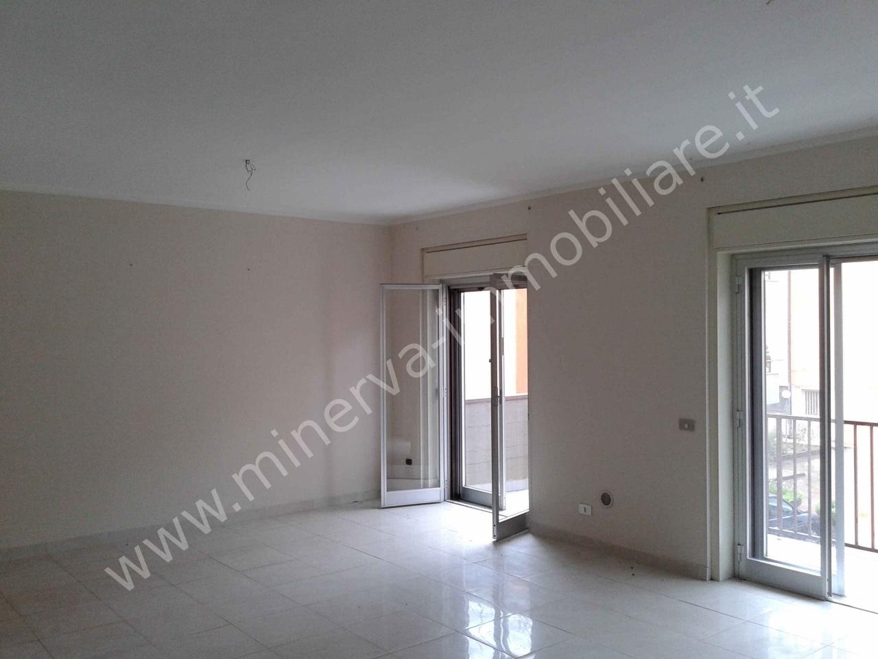 Appartamento in affitto a Lentini, 4 locali, prezzo € 350 | CambioCasa.it