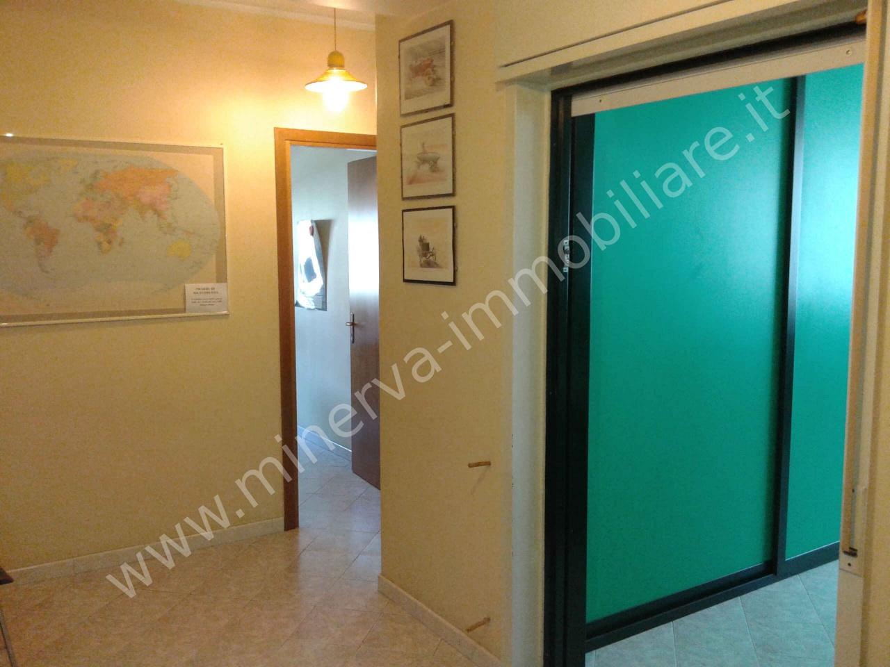 Ufficio / Studio in vendita a Lentini, 3 locali, Trattative riservate   CambioCasa.it