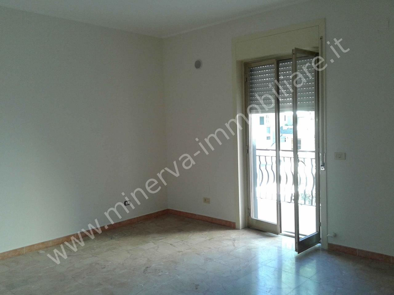 Appartamento 5 locali in affitto a Lentini (SR)