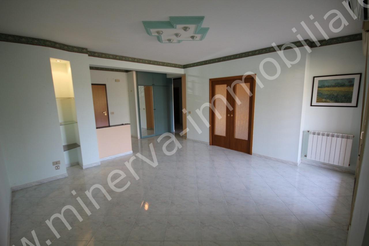 Appartamento in affitto a Carlentini, 4 locali, prezzo € 370 | PortaleAgenzieImmobiliari.it