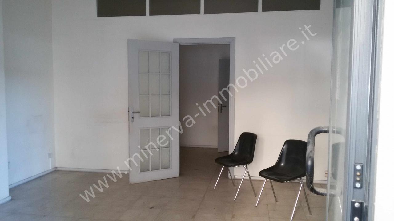 Negozio / Locale in affitto a Lentini, 9999 locali, prezzo € 400 | CambioCasa.it
